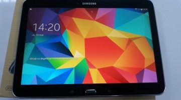 Ecranul tabletei Samsung Galaxy Tab 4