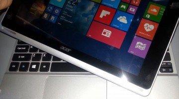Foto cu Acer Switch 10 SW5-012-176D - review
